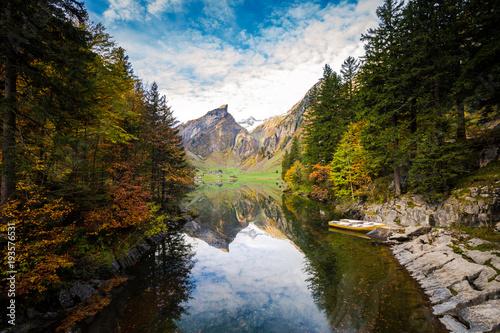 Keuken foto achterwand Bergen Bergsee im Herbst in den Schweizer Bergen