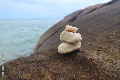 Tuinposter Stenen in het Zand weisse steintürmer türme steine turm