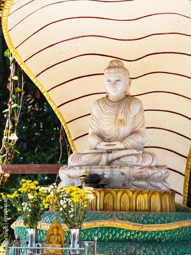 Plexiglas Boeddha Buddha image in Yangon, Myanmar