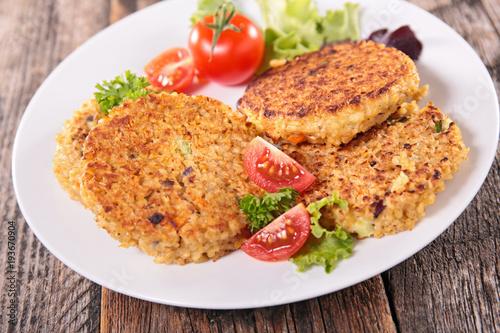 Aluminium Steakhouse vegetarian steak burger