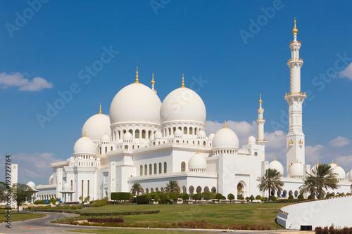 Fotobehang Abu Dhabi Sheikh Zayed Grand Mosque in Abu Dhabi, United Arab Emirates.