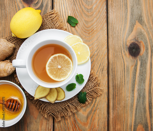 Papiers peints The Cup of tea with lemon and ginger
