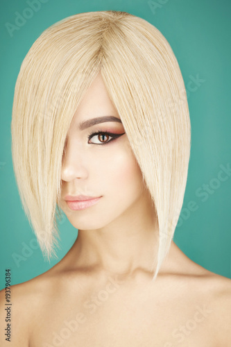 Tuinposter womenART Lovely asian woman with blonde short hair