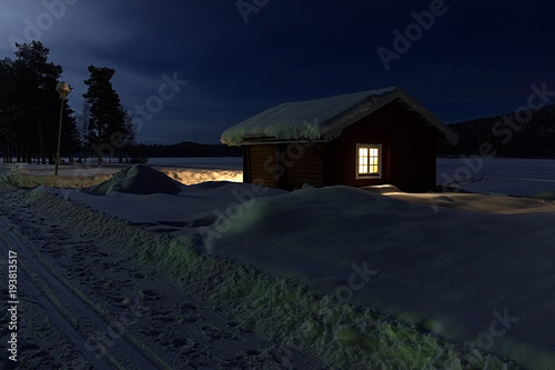 Hütte am Talvatis See
