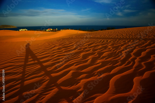 Aluminium Rood paars Sand mountains in the desert