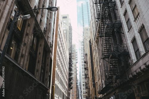 Alley in downtown Chicago © Roman Drits