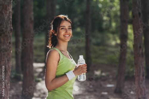 Dziewczyna wody pitnej