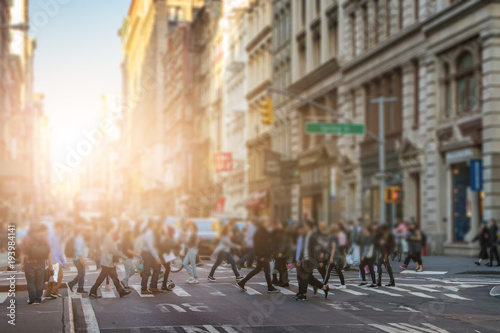 Foto op Aluminium New York Anonymous crowd of people walking across the intersection in SoHo New York City