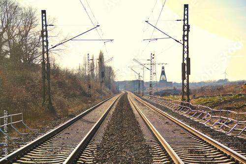 Fotobehang Spoorlijn Eisenbahn Schienen Ruhrgebiet Pott Sonnenschein