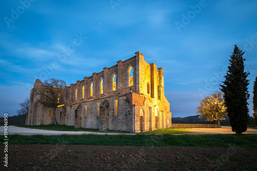 Fotobehang Toscane Abbey of San Galgano from 13th century, near Siena, Tuscany, Italy