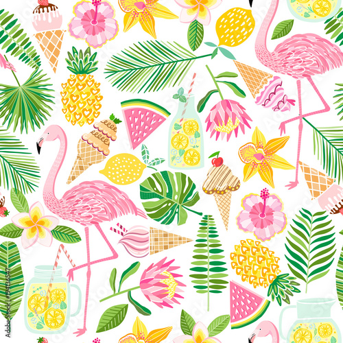 Vector tropical seamless pattern. Summer background © nadydy