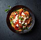 Spaghetti with Fresh Tomato Sauce, Mozzarella and Basil - 194144100