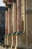 Colonnes de marbre de l'arc de triomphe du Carrousel à Paris, France - 194154782