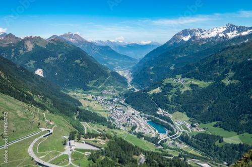 Papiers peints Bleu vert carreteras de altura en puertos de los alpes
