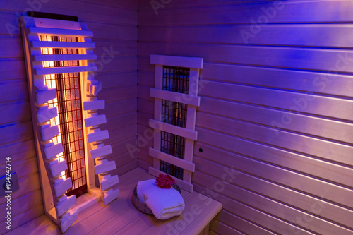 Leinwanddruck Bild - Angela Rohde : Private infrared sauna in ultra violet light