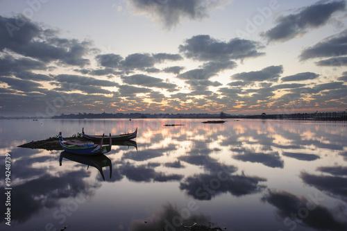 Papiers peints Morning Glory Sunrise at Iravadi river