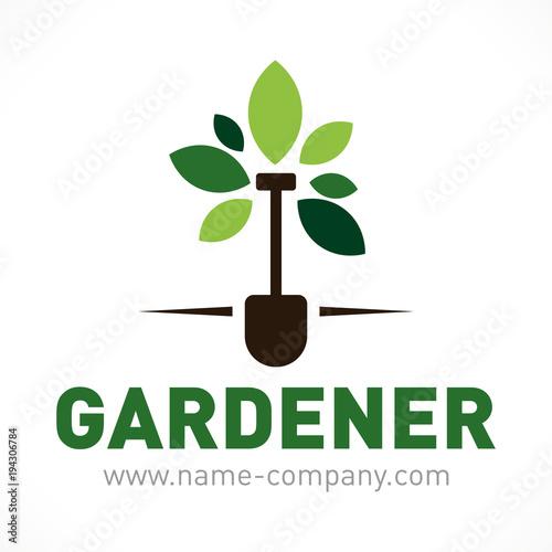 logo paysagiste jardinier pelle arbre