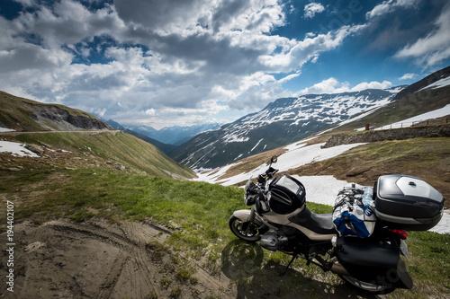 Aluminium Bleke violet viaje en moto por los alpes