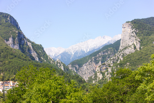 Keuken foto achterwand Blauwe hemel Mount Olympus - highest mountain in Greece. Rocks and landscapes.