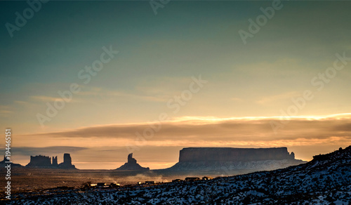 Fotobehang Arizona Sunrise in winter at the Monument Valley