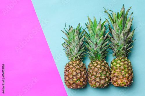 pineapple on colored paper - 194553184