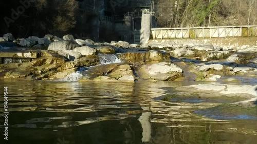 Foto op Plexiglas Landschappen Bach_Wasserfall_Staustufe_weit_15sek