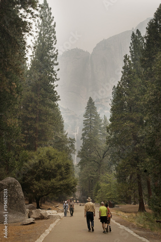 Gray traffic landscape, mountains, nature, mountain, sky, forest, Yosemite, tree, valley, park, trees, green, blue, panorama, clouds, view, alps, rock, national, autumn, grass, summer, hill, water, travel, Yosemit