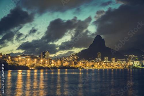 Foto op Aluminium Rio de Janeiro Rio de Janeiro skyline at dusk with dramatic clouds on sky. Brazil
