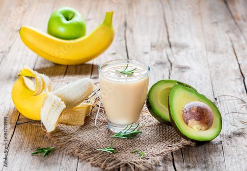 Fotobehang Sap Smoothie aus Obst und Gemüse - Diät - Fasten - Detox