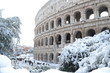 Colosseo innevato a Roma