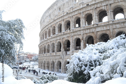 Poster Rome Colosseo innevato a Roma