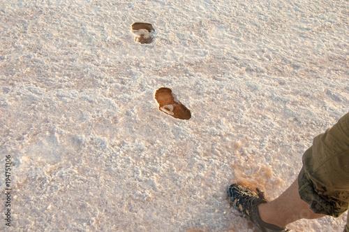 Foto op Canvas Stenen traces on the salt lake