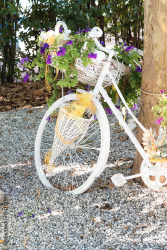 Plexiglas Fiets Bicycle decorated with flowers
