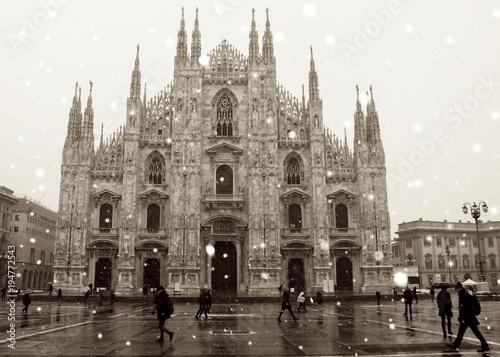 Fotobehang Milan duomo milano neve