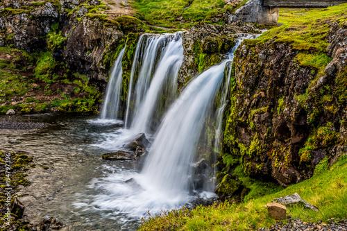 wodospady w górach