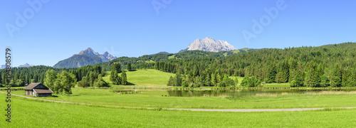 Foto op Canvas Natuur Naturlandschaft am idyllischen Schmalensee bei Mittenwald