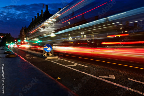 Fotobehang Nacht snelweg Great Britain, London, Bus, long exposure, Night photography