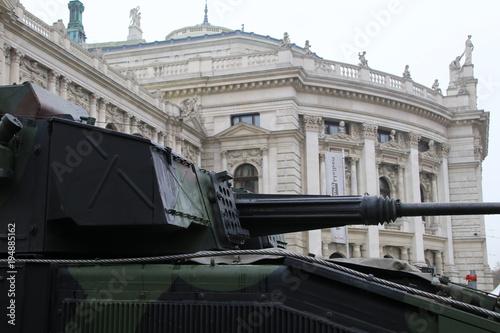 In de dag Wenen österreichische Armee vor dem Burgtheater am Nationalfeiertag wien österreich