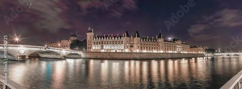 Fridge magnet Paris - la Conciergerie
