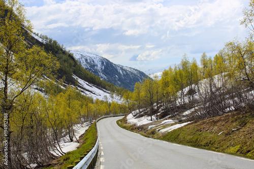 Papiers peints Bleu ciel Spring mountains and melting snow