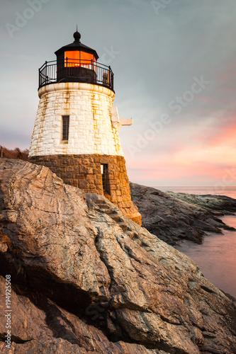 Fotobehang Donkergrijs Castle Hill Lighthouse Newport Rhode Island