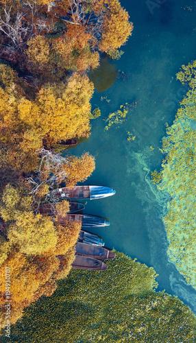 Papiers peints Bleu vert erhai,autumn