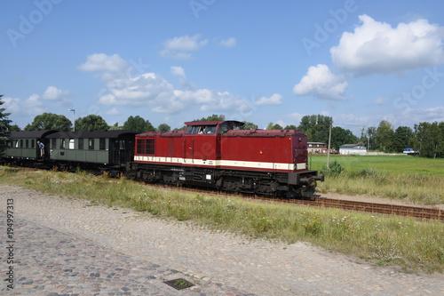 Fotobehang Spoorlijn Sonderzug der Pressnitztalbahn zur Haffwoche