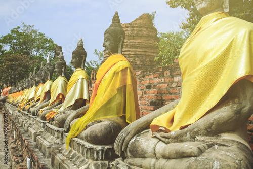 Plexiglas Boeddha Sitting Buddha alley