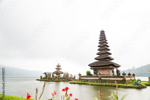 Fotobehang Bali Pura ulan danu bratan, Bali Indonesia
