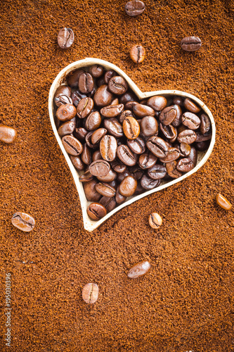 Papiers peints Café en grains Coffee beans with a heart. Love or passion concept