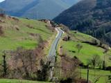 Carretera entre campos - 195059718