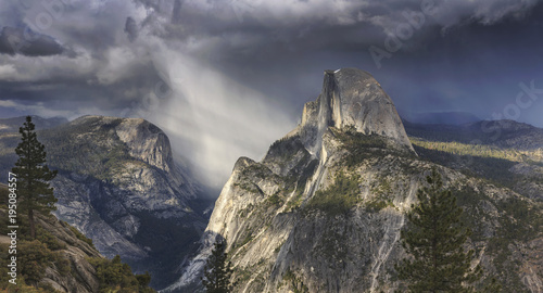 Foto op Canvas Lavendel Yosemite National Park, California, USA
