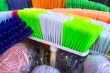 Cepillos de colores para la limpieza. - 195090163