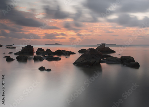 Staande foto Zee zonsondergang Calm